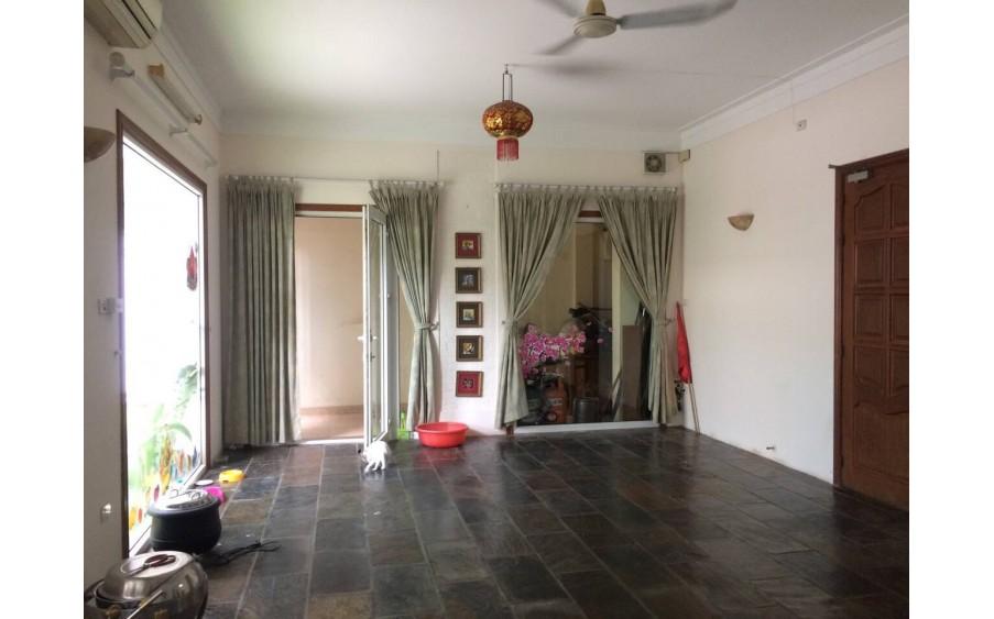 Cho Thuê Biệt Thự Lớn, 2 Mặt Tiền Rộng . Mặt Phố Trần Phú, Ba Đình, Hà Nội LH: 0972 362 948