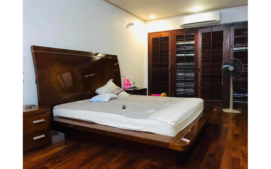 Bán Biệt thự PL khu VIP 8 tầng thang máy Nguyễn Cơ Thạch 105m2 hơn 18 tỷ