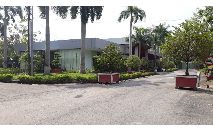 Cần bán gấp 1 lô biệt thự KDC Greenlife 13C, lô góc 260m2, sổ riêng, giá 29 triệu/m2