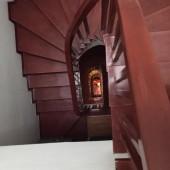 Bán nhà Chùa Láng 32m2, 5 Tầng, 6.5m mặt tiền, Ô tô đỗ cổng giá 5.9 tỷ