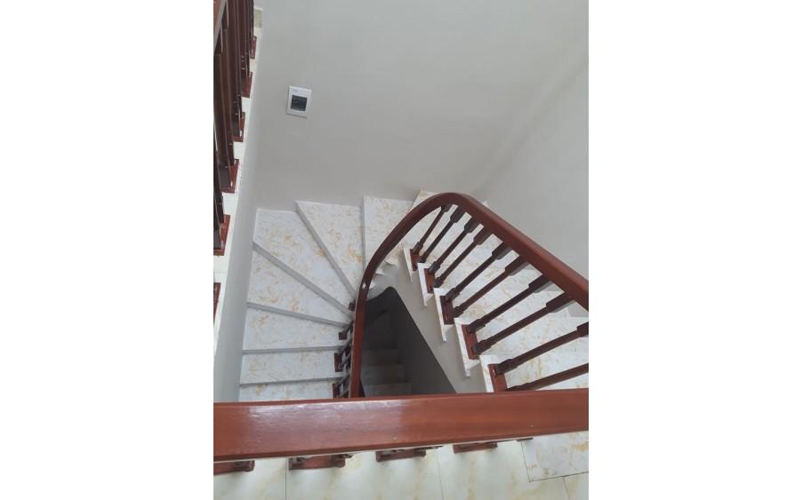 Bán gấp nhà mặt phố mới Thụy Khuê, Tây Hồ 5 tầng KD tốt LH 098955156