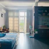 Lớn tuổi về quê cần bán nhà 2 MT hẻm Phan Xích Long, Phú Nhuận, chỉ 12 tỷ, LH: 0909 484 131.