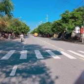 Đất Tái Định Cư Liền Kề Khu Nhà Mẫu , ngay đường lớn trục thông biển Tân Trà