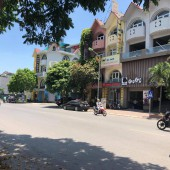 Cho thuê nhà mặt phố Nguyễn Văn Lộc dt 270m2 x 4T thông sàn + Hầm, mt 20m Làm nhà hàng, văn phòng, cafe