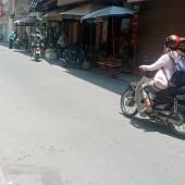 Bán nhà phân lô Lê Thanh Nghị HBT , sân cổng riêng, gần chợ, trường học.