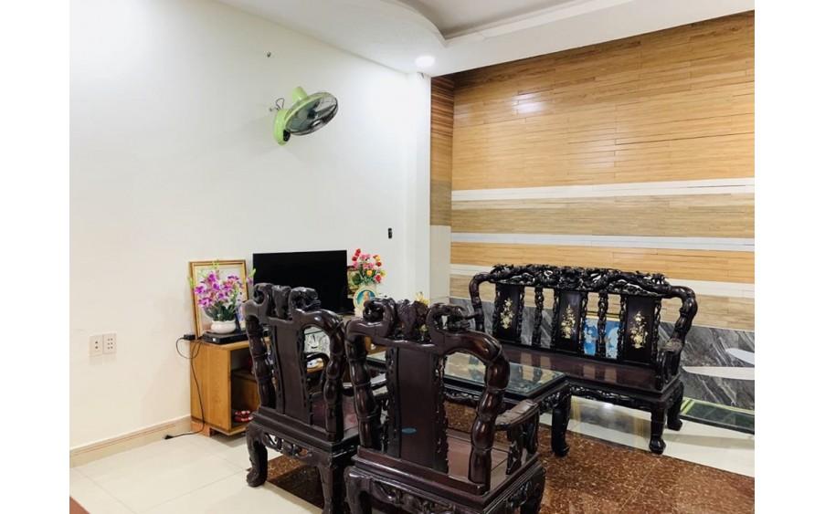 Nhà 4,2x16m - 3 tầng - xe hơi để trong nhà- Đường Quang Trung, Gò Vấp