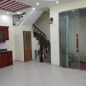 Bán nhà Nguyễn Lương Bằng, trung tâm Đống Đa, 50m ra phố, 52m2, 3 tỷ 7.