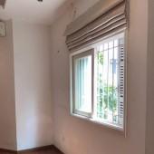 Cho thuê nhà ngõ 151B Thái Hà, 75m2x4,5T, mt 5m, thông sàn, ngõ ô tô, giá 25 tr/th