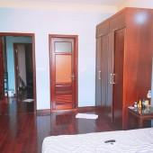 Cần bán nhà trên phố Thịnh Quang quận Đống Đa DT 55m2x5T giá 5.5 tỷ.Lh 0979682059