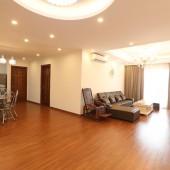 Cho thuê căn hộ chung cư Quận Tây Hồ. 3 PN. 136m2. 8 tr/th.
